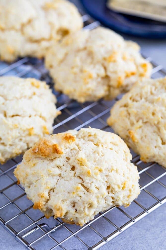 biscuit on rack