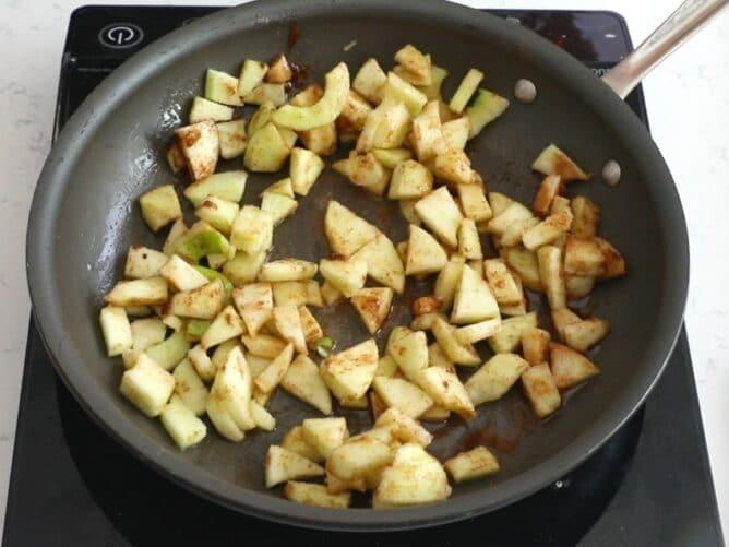 apples cooking in pan